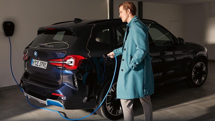 BMW iX3 G08 2021 elektrischer SAV Laden
